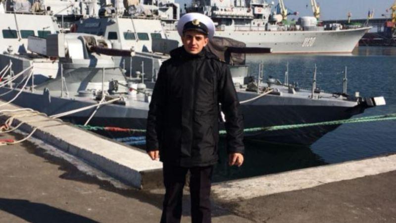 У старшего матроса «Бердянска» ноет левая рука из-за осколочного ранения – адвокат