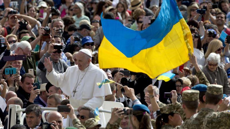 Папа Римский поздравил христиан, отмечающих Рождество по юлианскому календарю