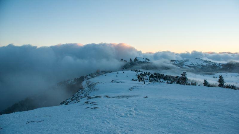 Сход лавины на Ай-Петри: спасатели отчитались о завершении расчистки дороги