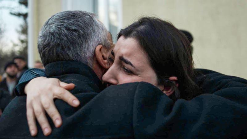 «Это слезы счастья». Родные – о переводе Бекира Дегерменджи из СИЗО под домашний арест