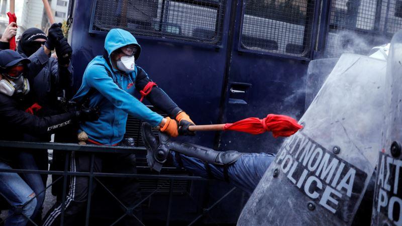 Протесты в Афинах против соглашения с Македонией: полиция применила слезоточивый газ (+фото)