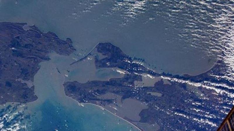 Танкеры, которые загорелись у берегов Крыма, могли заниматься «отмыванием грузов» – эксперт