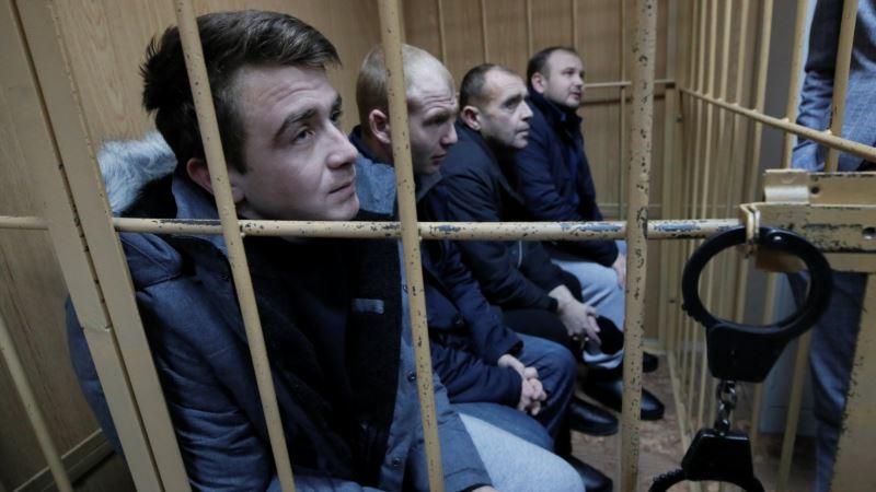 Украинские моряки не отвечали на вопросы судей, ссылаясь на  конвенцию о военнопленных – адвокат