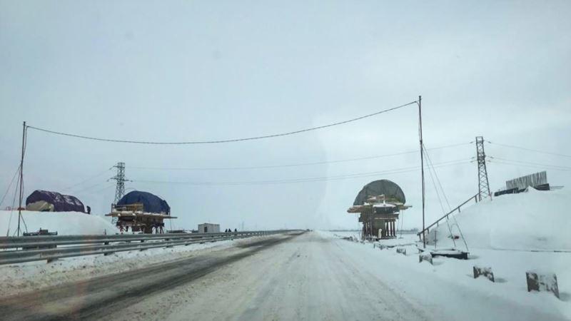 Аксенов раскритиковал уборку трассы «Таврида» от снега