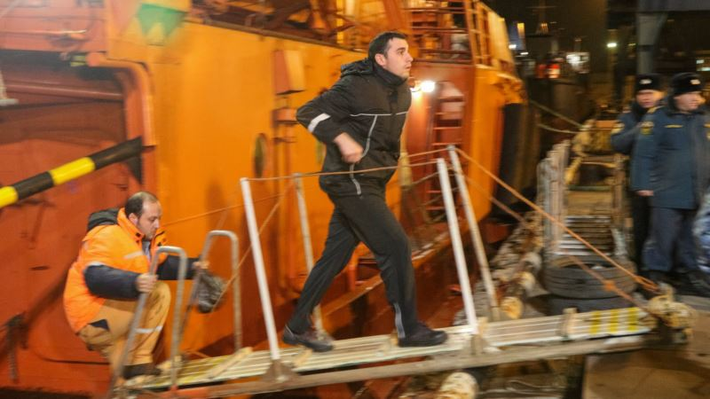 Анкара подтвердила гибель четырех граждан Турции при пожаре на танкерах у берегов Крыма