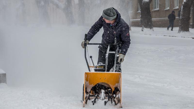 Синоптики предупреждают о сильном снеге и гололедице в Украине