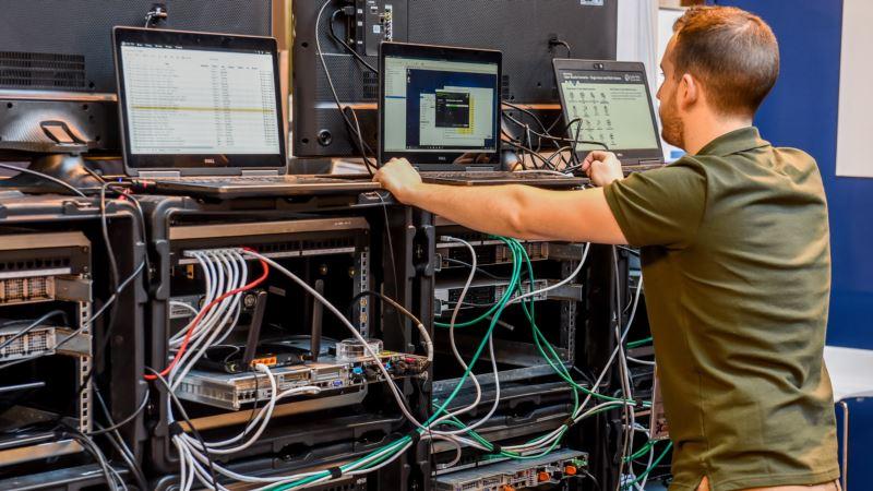 Microsoft: демократические институты в Европе подверглись атакам хакеров, связанных с Россией