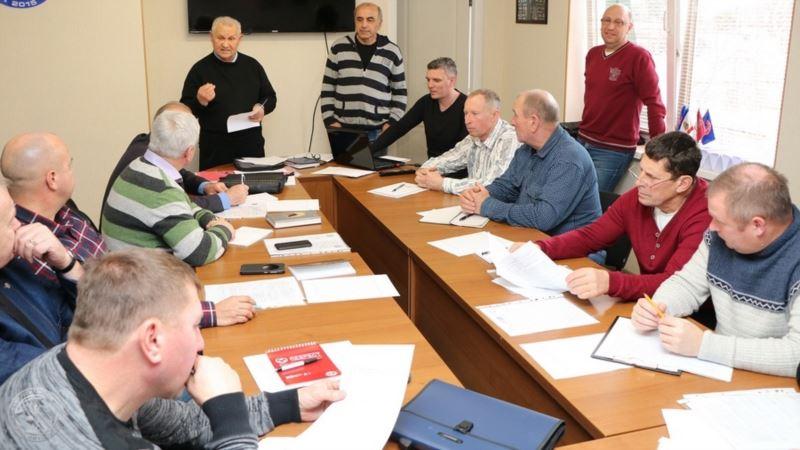 Крымский футбольный союз провел обучающий семинар для инспекторов матчей