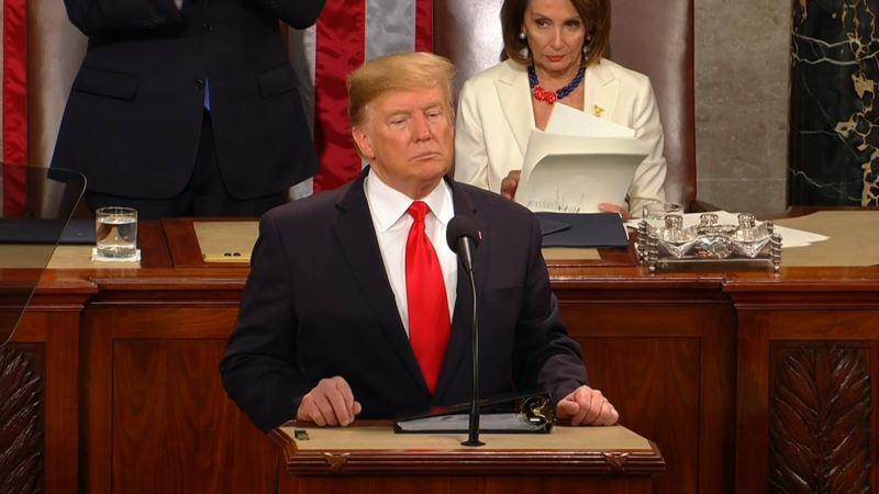 Конгрессмен США слушал выступление Трампа с украинским флагом в поддержку «борьбы Украины против агрессии России»
