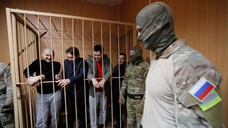 Суд в Москве рассмотрит жалобы на арест восьмерых захваченных украинских военных