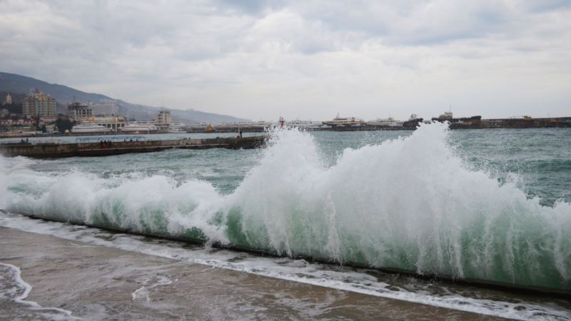 На Крым надвигаются ливни и штормовой ветер