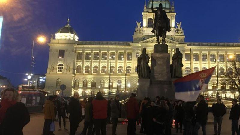 В Праге состоялась акция протеста против президента Сербии