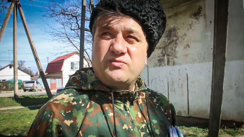 В Симферополе прошел одиночный пикет в поддержку жителя Джанкоя, которого «избил» депутат Госдумы