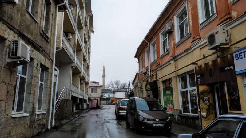 Алушта: по дороге к мечети Юкъары Джами (фотогалерея)