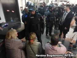 Протесты у здания RTS в Белграде 16 марта