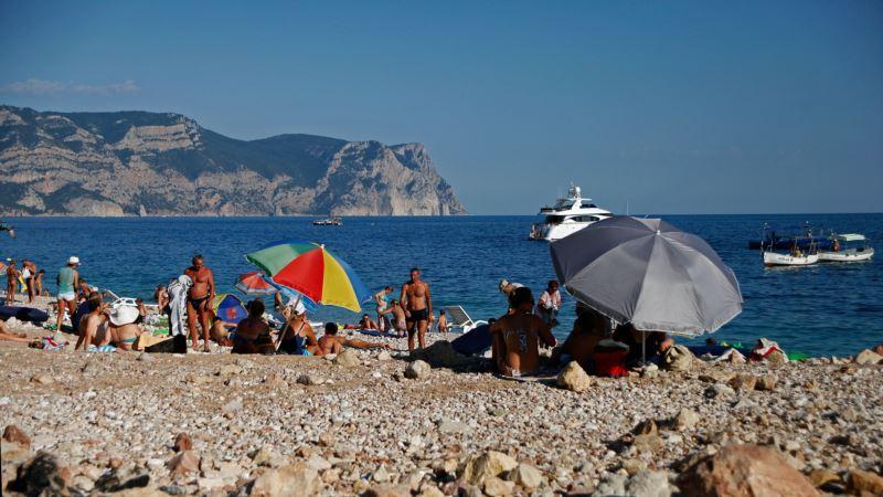Крым и Саратовская область России подписали договор о сотрудничестве в сфере туризма