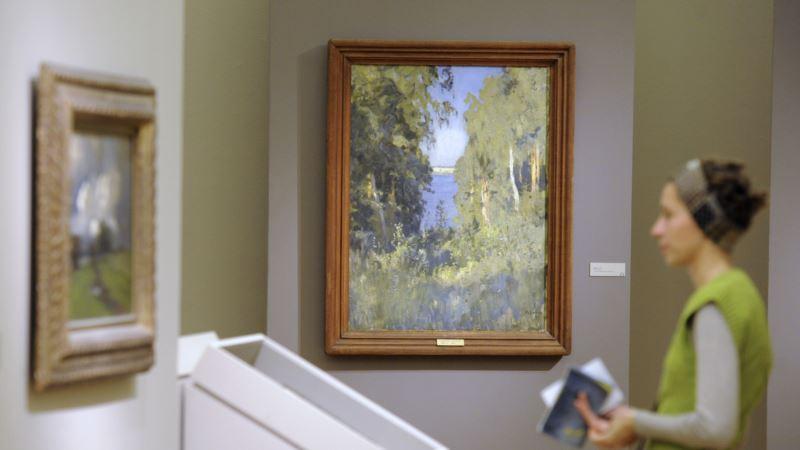 В Третьяковской галерее Москвы по залам прошел полуобнаженный посетитель (+видео)