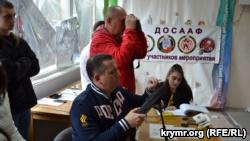 В Ялте бюджетников согнали сдавать тест «Готов к труду и обороне» вместе с главой города (+фото)