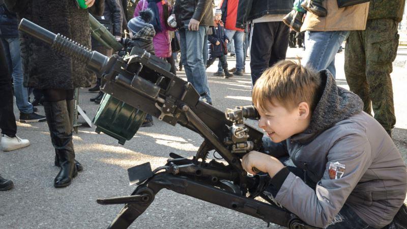 «Детей в Крыму готовят к войне против Украины» – Парубий
