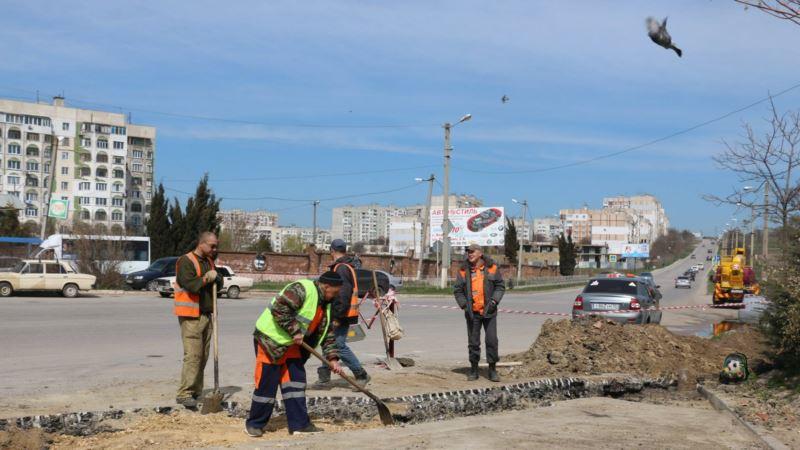 В Керчи приступили к ямочному ремонту дорог за 7,5 млн. руб (+фото)