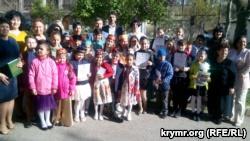 Участники конкурса чтецов на крымскотатарском языке