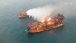 Один из сгоревших в Черном море танкеров начали буксировать в Турцию – Росморречфлот