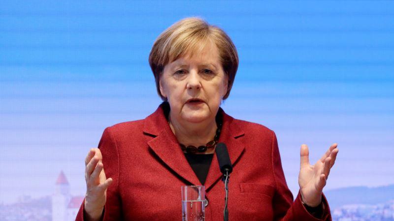 Меркель пообещала Зеленскому поддержку Украины