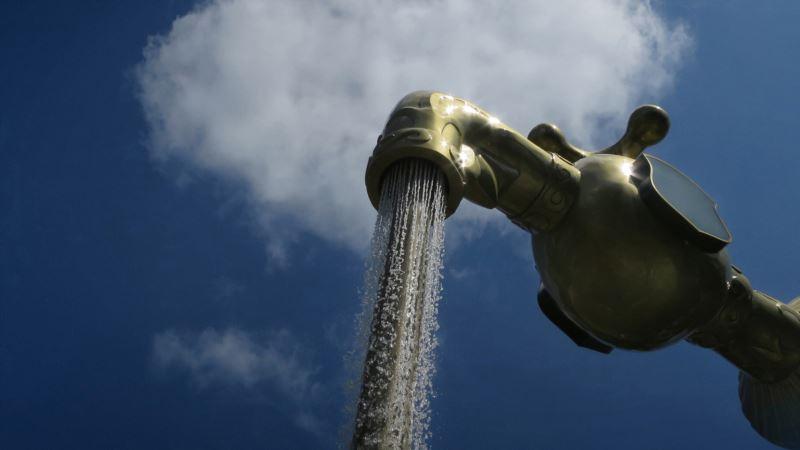 В Крыму напомнили о необходимости пересчета начислений за холодную воду во время поливного сезона