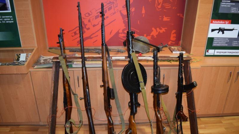 В симферопольской школе открыли музей оружия Калашникова (+фото)