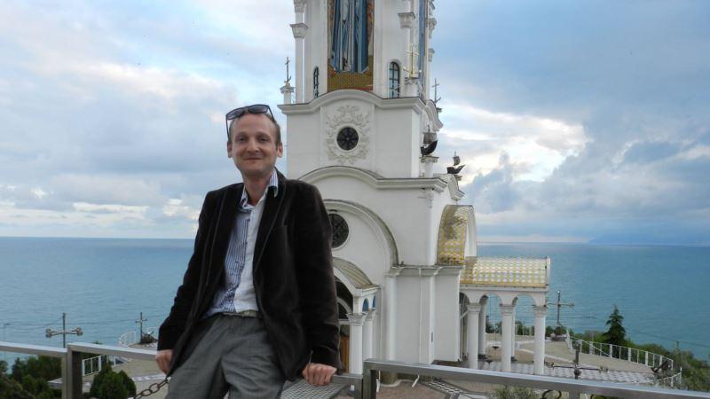 В Фейсбуке недоступна страница крымского блогера Гайворонского, он подозревает ФСБ