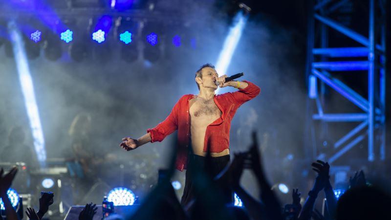Лидер «Океана Эльзы» посвятил песню крымским татарам на концерте в Киеве (+видео)