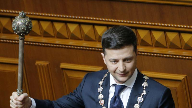 Петиция за отставку Зеленского набрала 25 тысяч голосов через три дня после инаугурации
