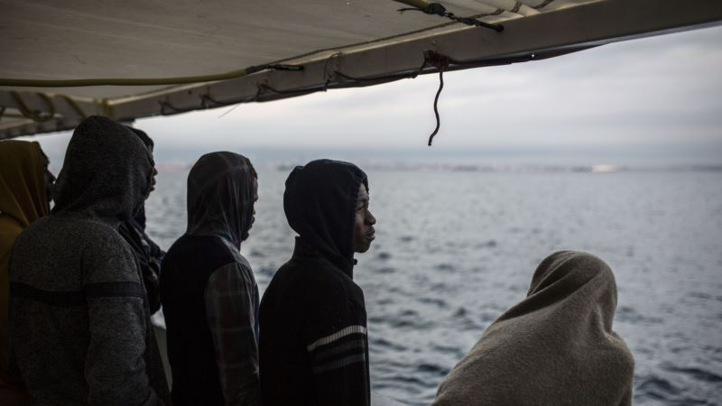 Не менее 50 человек погибли после крушения лодки у берегов Туниса