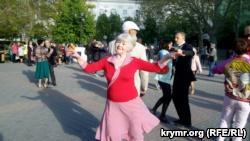 «Для тебя, Рио-Рита». В Севастополе устроили танцы под военные песни (+фото, видео)
