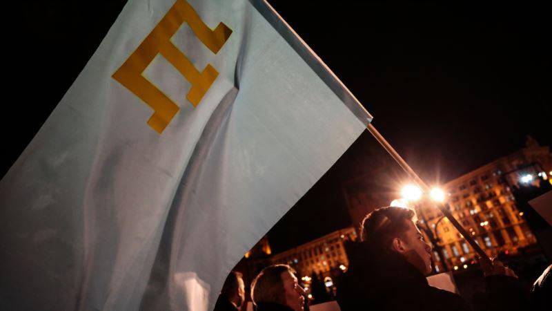 Власти Эдмонтона поднимут национальный флаг крымских татар в День памяти жертв геноцида народа
