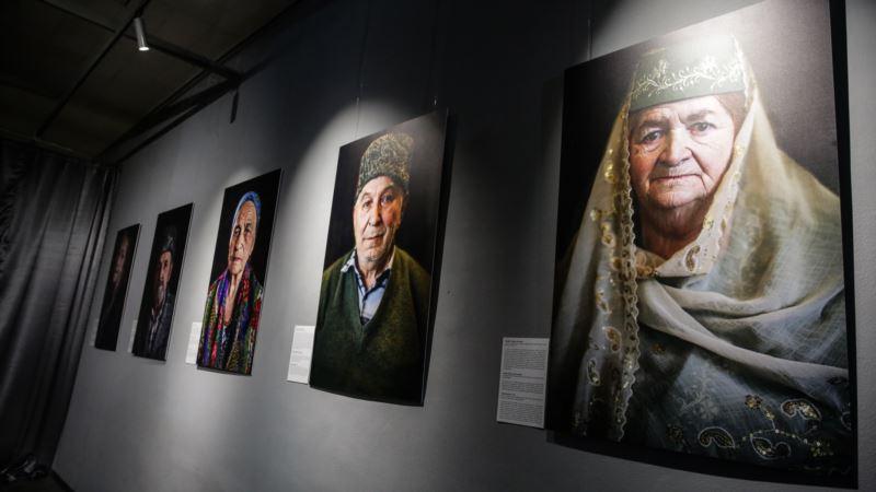 В Киеве презентовали фотовыставку «Лица депортации» к 75-летию геноцида крымских татар (+фото)