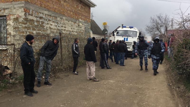 В Киеве прошла акция в поддержку крымскотатарских активистов, арестованных после обысков 27 марта