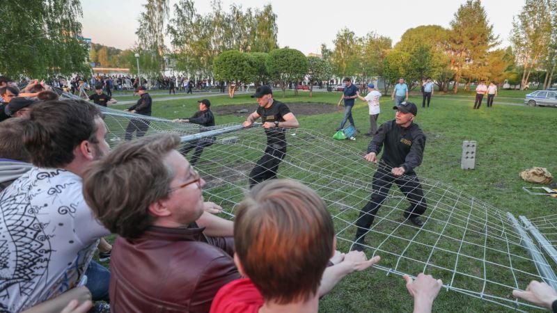 Роскомнадзор потребовал удалить видео протестов в Екатеринбурге