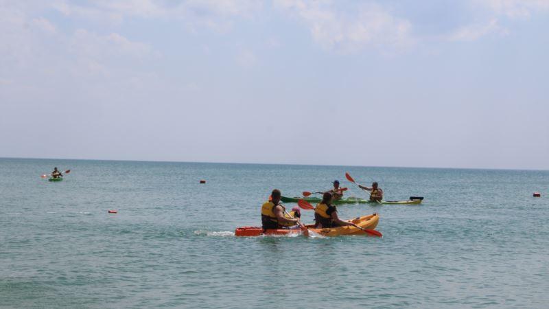 В Саках стартовал фестиваль водных видов спорта «Желтый батискаф»
