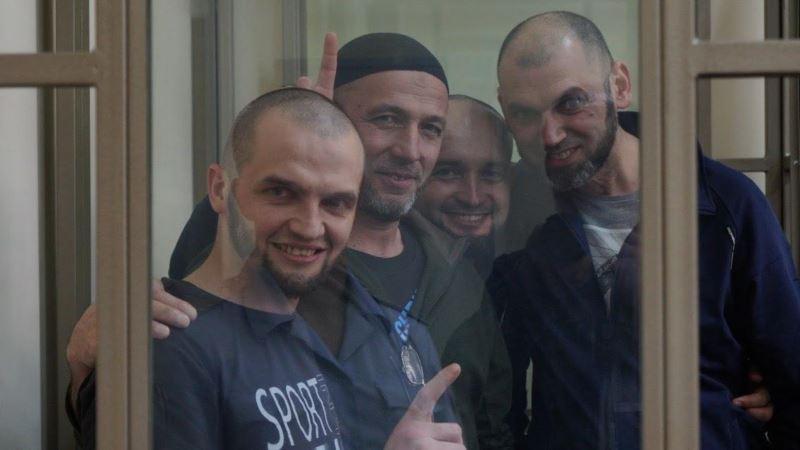 Российские суды продлили арест всем 24 крымским татарам, задержанным в марте в Крыму