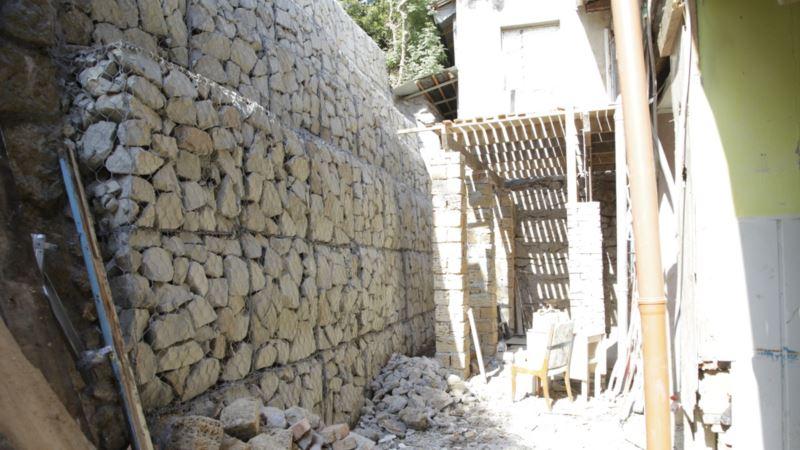 Власти Крыма утверждают, что восстановили обвалившуюся подпорную стену в Ялте