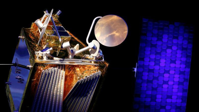 Маск обещает запустить спутниковый интернет по всему миру, в России за него будут штрафовать