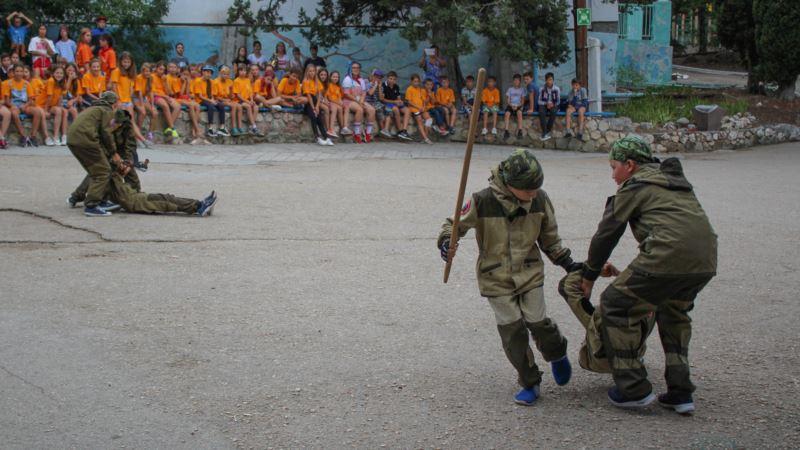 В Севастополе «Беркут» пришел в детский лагерь с показательным выступлением (+фото)