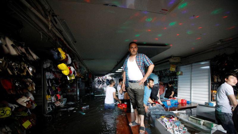 Ливень затопил Стамбул: один человек погиб