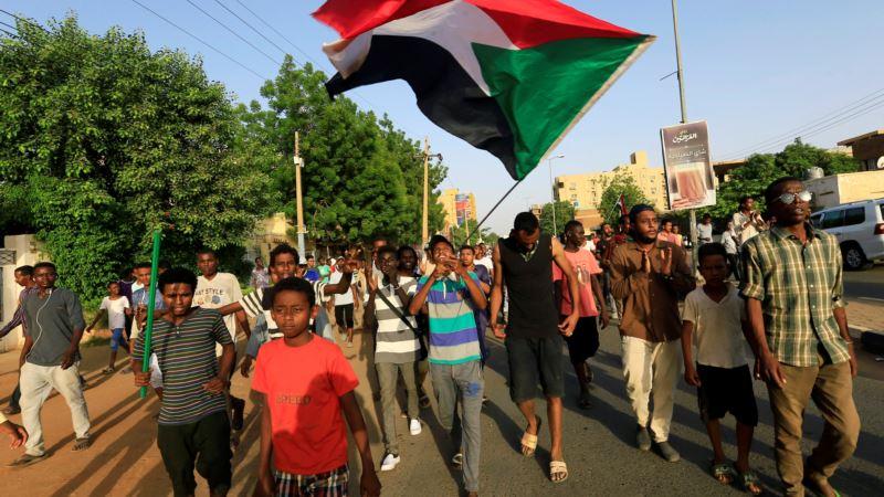 Судан: армия и оппозиция подписали соглашение о разделе власти