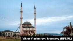 Близ Симферополя официально открыли Величественную мечеть Кадыр джами (+фото)