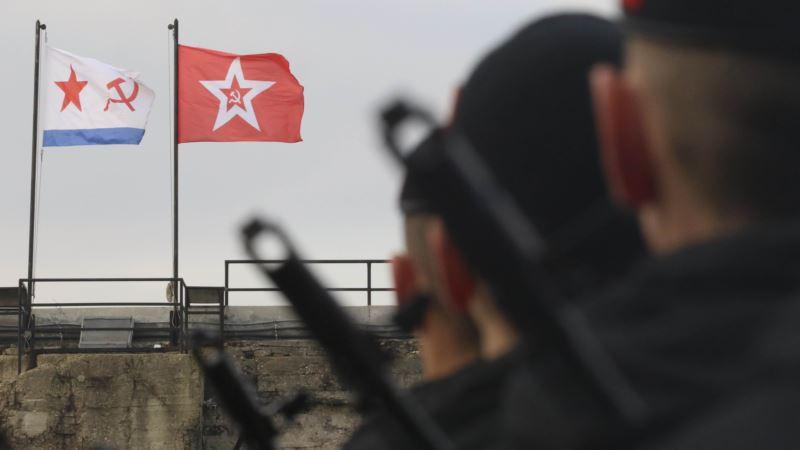 Российские морпехи проводят стрельбы на полигонах в Крыму