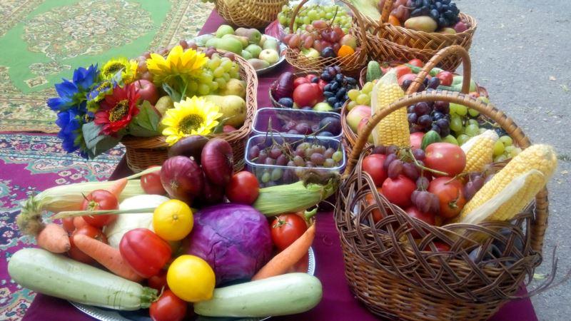 На Яблочный Спас в Севастополе святили кукурузу и собирали пожертвования для монахов (+фото)