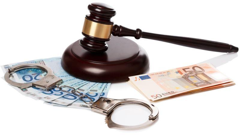 В Ялте троих чиновников будут судить по обвинению в незаконном обогащении на платных парковках – Следком