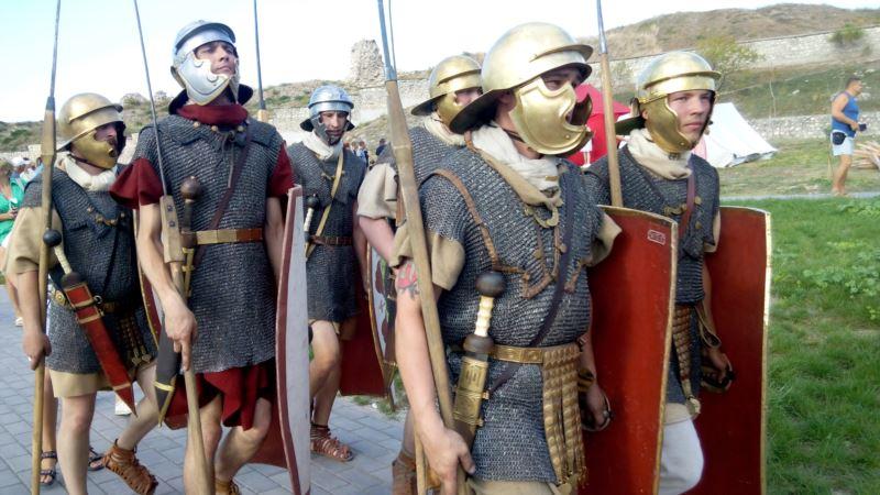 В Севастополе провели гладиаторские бои
